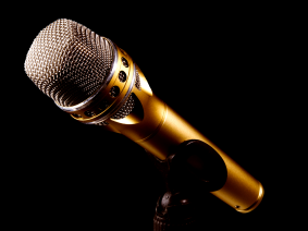microphone-2763602_1920